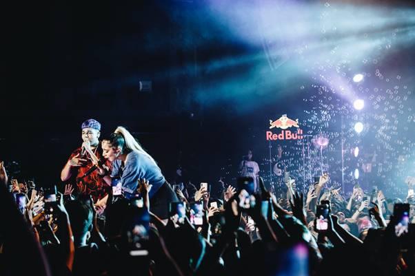 «Yin Yang» en vivo: revive completo el estelar concierto de Gianluca