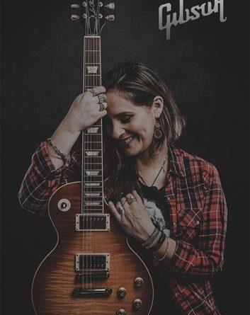 Cler Canifrú firma contrato con Gibson Guitars